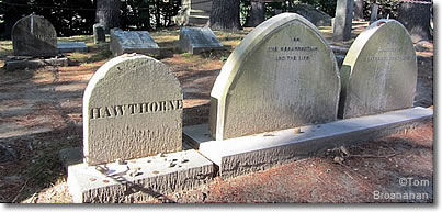 Nathaniel, Spohia & Una Hawthorne graves, Sleepy Hollow Cemetery, Concord, Massachusetts