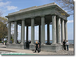 Plymouth Rock enclosure, Plymouth MA