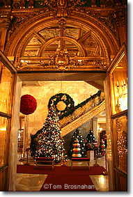 marble house at christmas newport ri